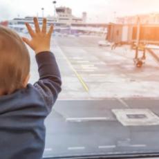 Trovato un neonato abbandonato all'aeroporto. Perquisite con forza numerose donne