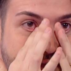 """Valerio Scanu, l'annuncio in diretta: """"è intubato, fa fatica a respirare"""""""