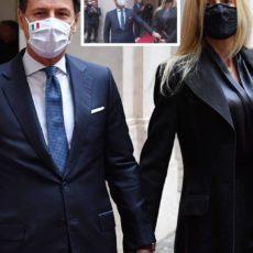 Cerimonia di uscita per Giuseppe Conte: tante lacrime e amarezza