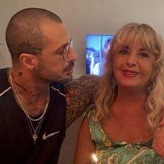 Compleanno di mamma Corona, il post su Instagram del figlio